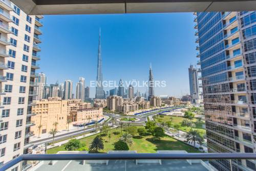 Best price large 2 bed Burj Khalifa view