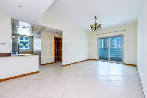 Unfurnished 1 Bed Close to Metro in Marina Diamond